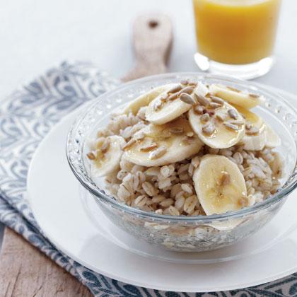 brain-benefits-of-vitamin-b6_barley-banana-sunflower