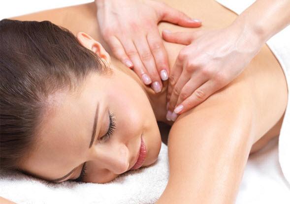 7 Ways to Reduce Neck Pain_neck massage