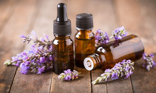Aromatherapy for Anxiety and Depression_lavender essential oil